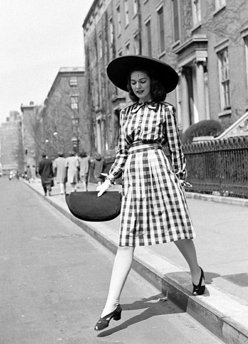 A snapshot of historical fashion, 1940s..jpg