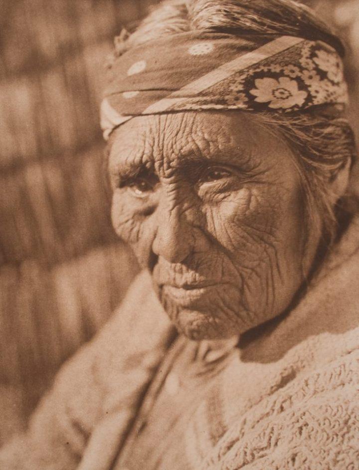 A Klamath woman, 1923